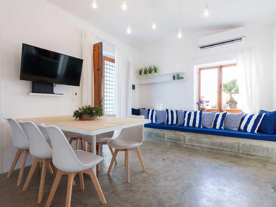 The living room of Villa Aguglia